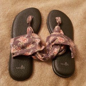 Sanuk Floral print sandals